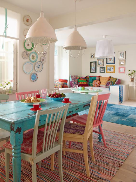 Such a colourful beach cottage kitchen
