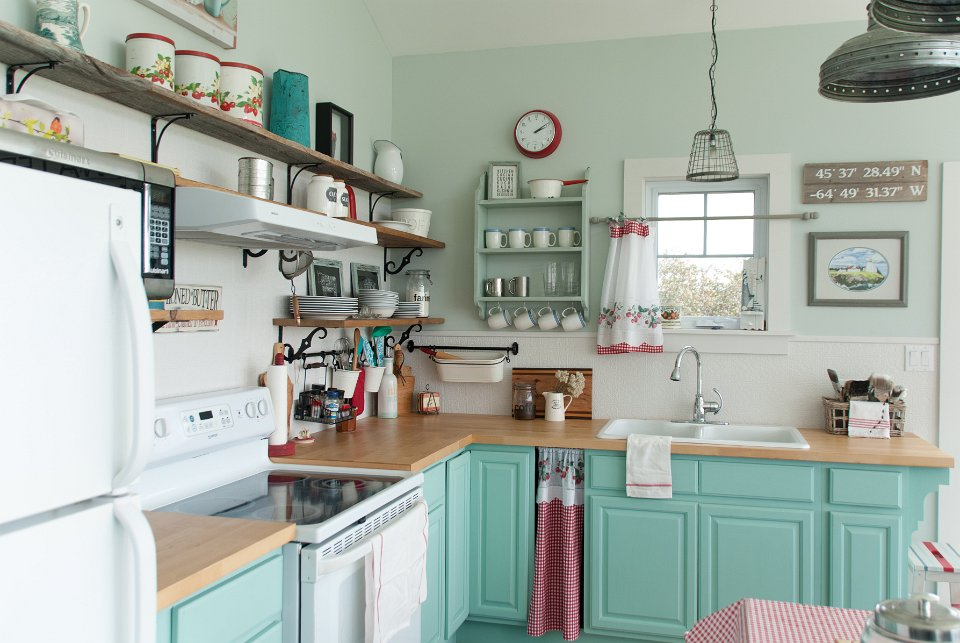 This cottage kitchen is full of smart and creative re loved and repurposed pieces for a great looking kitchen