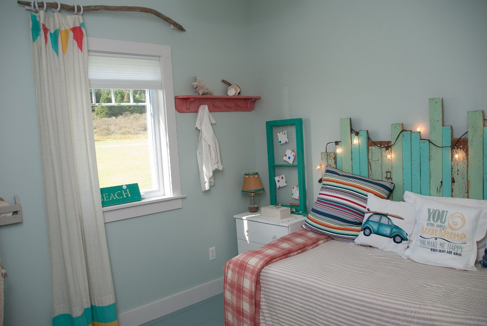 Beautiful cottage bedroom decor