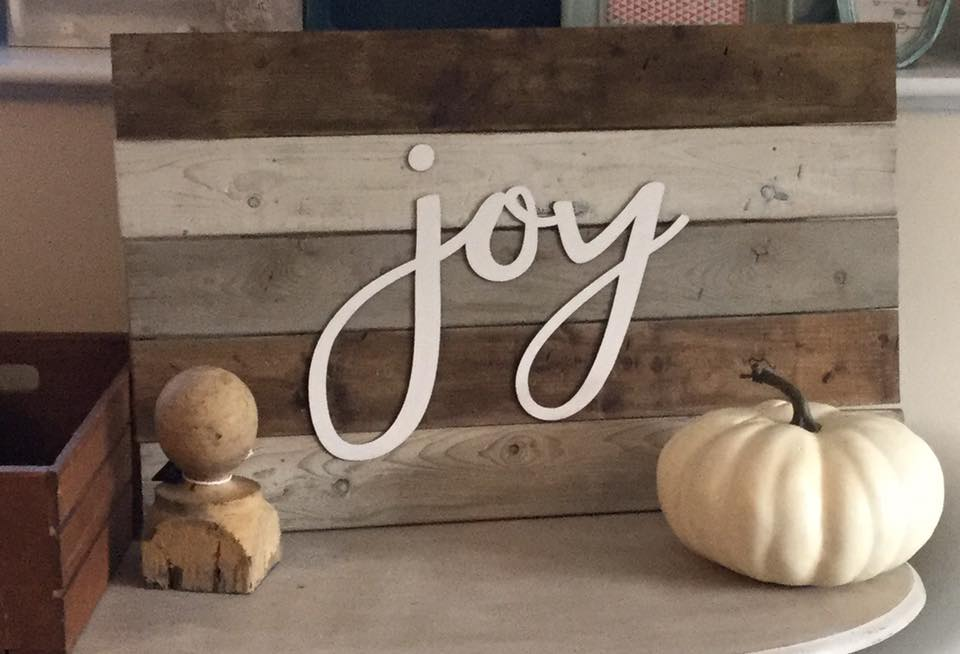 Pallet Sign Classes at Front Porch Mercantile