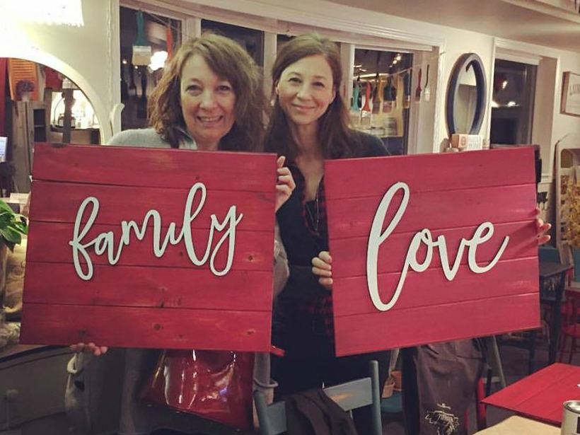 Make these awesome signs at Front Porch Mercantile
