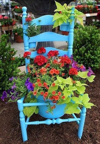 Turn a chair into a planter - easy peasy Front Porch Mercantile